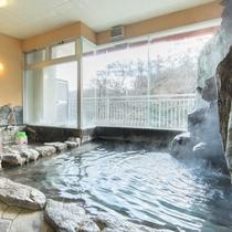 *【風呂(大浴場・女性)2】塩の湯口が八ヶ所あることから八塩温泉と名づけられたそう・・