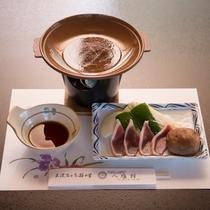 *【夕食6】当館一番の魅力は「鴨」を使った鴨陶板となります
