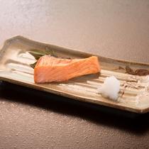 *【朝食3】朝食にはやっぱり鮭の焼き魚♪