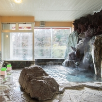 *【風呂(大浴場・女性)1】まるで化粧水に浸かっているのでは?と思わせるお湯は天然温泉です★