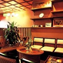 【2階休憩コーナー】コーヒーの無料サービスもございます