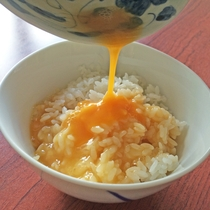 【朝食一例】新鮮卵に自家製のだし醤油!おいし~い卵かけご飯はおかわりOKです♪