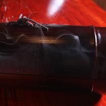 ①煙が出たり、香がしたり…何が起こるのかな…?