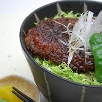 夕食「ソースかつ丼」