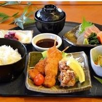 夕食「定食の一例」
