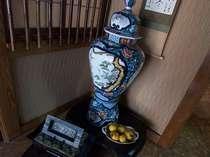伊万里焼の壺?