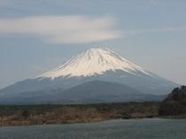 精進湖からの富士山-1