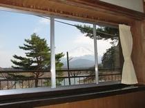 お部屋からの富士山