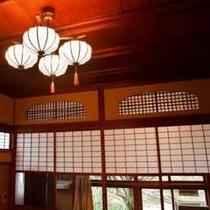 天井の灯り装飾