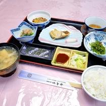 *ご朝食一例/炊き立てのご飯にお出汁の効いたお味噌汁。心に沁み入る和の朝ごはん。