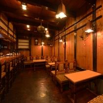 """*居酒屋""""糸蔵""""/お夕食はこちらで。地元の食材を活かした料理が夕刻の時を彩ります。"""