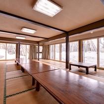 *宴会処/四季折々の景観が美しい日本庭園を望みながら祝杯のひと時を。