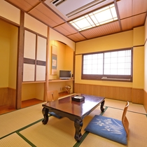 *【山側 和室6畳】リーズナブルな山側の和室です。