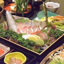 【夕食一例】一番美味しい旬の地魚のお造り!