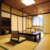 *客室一例/10畳+6畳の二間続きのお部屋は開放感がありゆったり過ごせます。