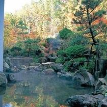露天温泉岩風呂(紅葉イメージ)