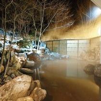 露天温泉岩風呂(夜イメージ)