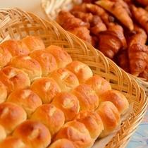 朝食バイキングのパン