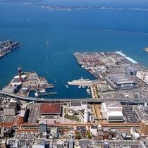 マリンメッセ・福岡国際会議場・博多港国際ターミナル・福岡国際センターがある築港地区まで約25分