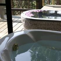 [瑠璃] 囲炉裏の間客室露天風呂