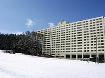 【ホテル外観(スキーシーズン)】