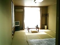 和室8〜10畳(洗面・トイレ付)