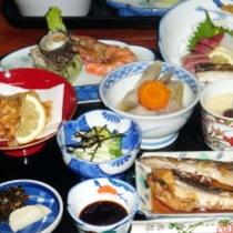 【夕食一例】その日に獲れた鮮度抜群の魚を1番美味しい食べ方でお出しします