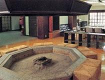 八角形の暖炉