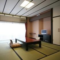低層階和室8畳アウトバス