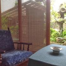 <和室>お庭に面した和室