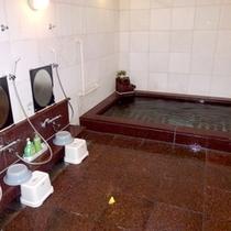 *【大浴場】温泉ではございませんが、のんびりお入りいただけるジャグジー付きのお風呂です。