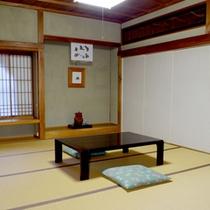 *【おまかせ和室一例】お部屋はこちらで振り分けさせていただきます。画像はパーテーション仕切りのお部屋