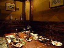 お食事は個室もご準備できます。