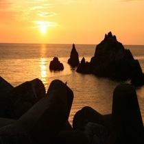 客室より望む日本海の夕景