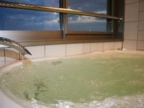 新館 松石庵 海を眺めながらの源泉掛け流し半露天風呂