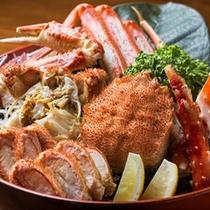 豪華な三大蟹の盛り合わせ。北海道ならではの味覚です。