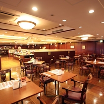 バイキングレストラン「ザ・キャビン」船の甲板をイメージしています。
