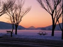 厳寒の諏訪湖