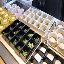 ◆【朝食】小鉢各種(内容は季節により異なります)