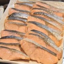 ◆【朝食】『焼魚(鮭)』 ※朝食の内容は季節等により異なります