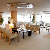 ホテル内カフェラウンジ