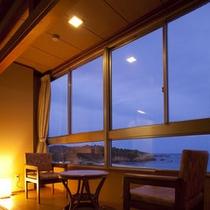 海側客室から太平洋を眺める
