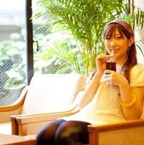喫茶シーン(夏)