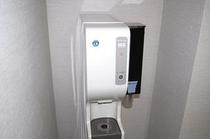 ■製氷機■各宿泊フロア自動販売機コーナーに製氷機もございます。