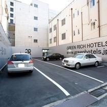 【ホテル駐車場】