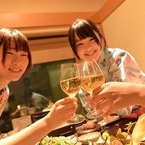 【夕食】ご夕食は専用の個室をご用意。まわりを気にすることなくお食事をお楽しみいただけます!