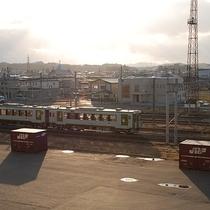 【トレインビュープラン】駅近の魅力☆お部屋から走行する電車を眺めることができますよ♪