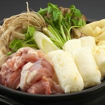 【季節限定】秋田名物、きりたんぽ。野菜と比内地鶏の旨味がたっぷりしみ込んだきりたんぽ鍋は絶品!
