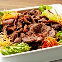 朝食ビュッフェ エゾシカ肉のジンギスカン