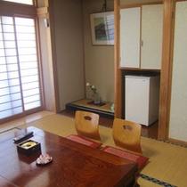 【海側】新館和室8畳(バストイレ付)一例